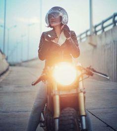 Real Motorcycle Women - thunderdolls (2)