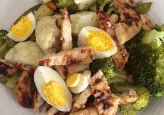 Pechuga a la plancha,broccoli, coliflor,huevo