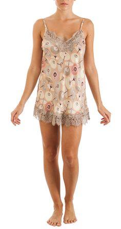 Lace-trimmed printed silk chemise with japanese umbrellas print, adjustable shoulder straps Composition: 30% silk; 70% viscose http://grazialliani-shop.com/en/sottoveste-corta-seta #Chemise #BabyDoll #Sleepwear #sottovesti #outwear #miniabiti #Grazialliani #Loungewear