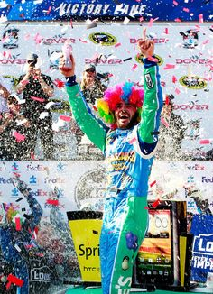 3 of my favorite things all in one picture! Jimmie Johnson, Madagascar, and NASCAR! Bristol Motor Speedway, Monster Energy Nascar, Madagascar, One Pic, Favorite Things, Public, Racing, Celebrities, Sports