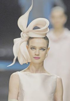 fascinating fascinator #catwalkstyle #ladiesday #ascot
