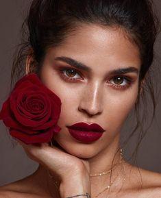 Stunning makeup with dark red lip - Makeup Looks Orange Beauty Make-up, Beauty Shoot, Beauty Photoshoot Ideas, Makeup Photoshoot, Beauty Style, Red Lip Makeup, Hair Makeup, Tan Skin Makeup, Makeup Inspo