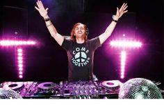 Listen to David Guetta Radio, free! Stream songs by David Guetta & similar artists plus get the latest info on David Guetta! David Guetta, Alison Wonderland, Electric Daisy Carnival, Chainsmokers, Edm Music, Dance Music, Reggae Music, Remix Music, Dj Remix