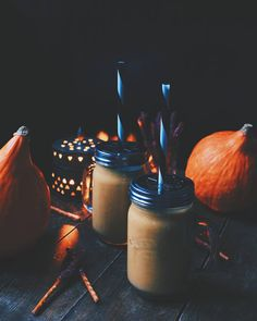 Pumpkin pie smoothies! #pumpkin #pie #smoothie #halloween #treat