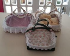 Tips for Those Beginning to Crochet Sewing Machine Embroidery, Diy Embroidery, Tutorial Diy, Fabric Boxes, Straw Bag, Sewing Projects, Sewing Patterns, Reusable Tote Bags, Quilts