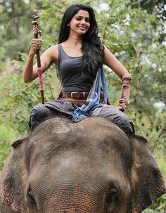 Pooja Sawant, Model Poses Photography, Actress Pics, Cute Girl Face, Most Beautiful Indian Actress, India Beauty, Indian Actresses, Beauty Women, Cute Girls