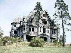 Carleton Island Villa, Carlton Island, New York (1895) has not been inhabited in over 60 years.