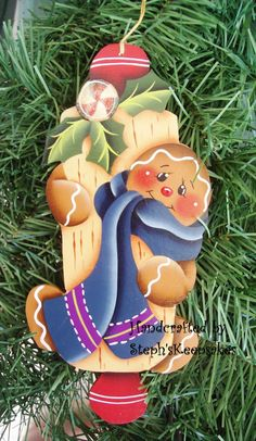 Gingerbread Gingerbread Ornaments, Christmas Gingerbread, Wood Ornaments, Christmas Projects, Holiday Crafts, Christmas To Do List, Tole Painting Patterns, Christmas Decorations, Christmas Ornaments