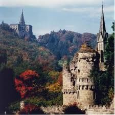 Löwenburg and Hercules Monument in the background ~ Kassel ~ Germany Beautiful Buildings, Beautiful Places, Germany Castles, Greatest Adventure, German Girls, Germany Travel, World Heritage Sites, Wonders Of The World, Barcelona Cathedral