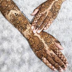 Bridal Mehndi or Henna Designs for Full Hands Henna Hand Designs, Mehndi Designs Finger, Wedding Henna Designs, Modern Henna Designs, Engagement Mehndi Designs, Floral Henna Designs, Back Hand Mehndi Designs, Latest Bridal Mehndi Designs, Mehndi Designs For Girls