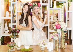 5 tips for wedding flowers - Fabulous Muses Wedding Bride, Wedding Table, Dress Wedding, Wedding Arrangements, Wedding Bouquets, Bride Flowers, Wedding Flowers, Planning And Organizing, Film