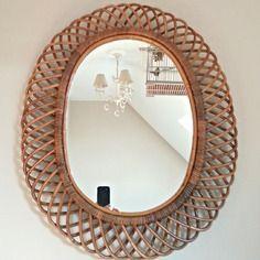 Grand miroir soleil vintage en rotin , osier