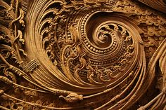 Intricate Wood Carving in one of the restaurant in Chiang Mai which also features traditional Thai culture. Look at the swirls in carving and relate to waves/ocean for fish sauce design. Chiang Mai, Art Chinois, Art Sculpture, Thai Art, Gravure, Arabesque, Textures Patterns, Wood Art, Amazing Art