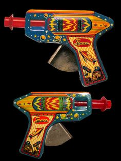 1950's tin litho space gun, made in Japan.
