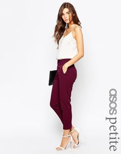 Discover women's petite clothing with ASOS. Shop for petite dresses, petite tops, jeans and coats. Find the fit that suits your style today at ASOS. Petite Outfits, Petite Dresses, Classy Outfits, Chic Outfits, Fashion Outfits, Asos Fashion, Asos Petite, Petite Tops, Petite Style