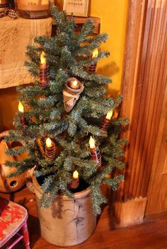 Decorating a Christmas Kitchen Cute Christmas Tree, Cabin Christmas, Christmas Kitchen, Holiday Tree, Country Christmas, Christmas Tree Decorations, Christmas Holidays, Holiday Ideas, Winter Decorations