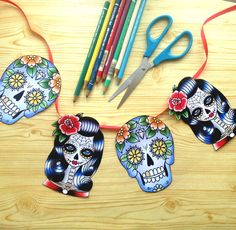 FREE Day OF The Dead inspired bunting. Colour in and make! #dayofthedead #adultcolouring #coloring