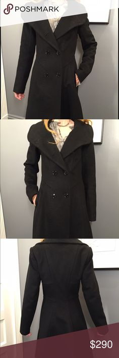 Beautiful Reiss cashmere/wool coat This wool and cashmere coat by Reiss has a gorgeous cut. Very feminine! Looks beautiful dresses or jeans. Reiss Jackets & Coats