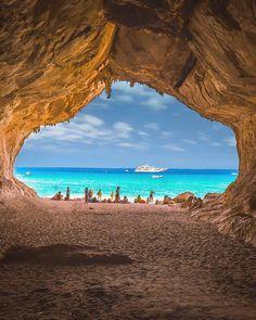 A hidden cave in Sardinia, Italy. 😍🙌 📸 @senai_senna