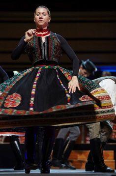 Hungarian dancing Hungarian Embroidery, Folk Dance, Folk Costume, Chain Stitch, Dance Costumes, Hungary, Braids, Culture, My Style