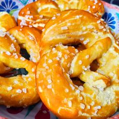 Onion Rings, Pretzel, Meat, Ethnic Recipes, Food, Ethnic Food, Essen, Meals, Yemek