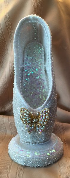 The Glass Slipper 2015 - Elektra Z. Pointe Shoes, Toe Shoes, Ballet Shoes, Ballet Crafts, Shoe Crafts, Muses Shoes, Ballet Images, Pretty Ballerinas, Ballet Art
