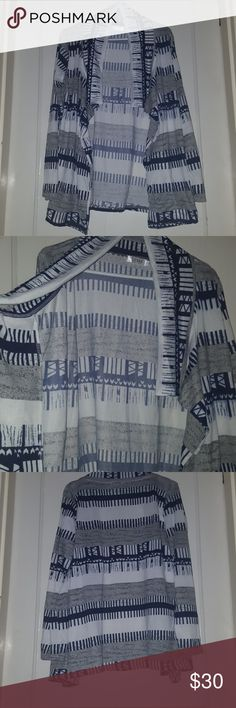 Shall type thin sweater Gray and white, shall type sweater... New with tags never worn.. fits like a large Vicabo Tops