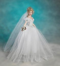 Porcelain bride doll by Patricia Rose. Winner of the 2004 Dolls Award of Excellence.