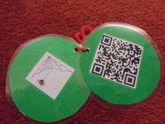 Nu har vi börjat med årets julkalender. Barnen får vända på en bild på en julgranskula och där finns en ledtrådsbild och en QR-kod. När de sedan skannar koden med hjälp av en app på lärplattan, kom… Coin Purse, Calendar, Drop Earrings, Kids, Qr Codes, Preschool Ideas, Experiment, Teaching Resources, Youtube