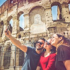 Love traveling? Love taking selfies? With Mashreq sMiles earn reward points on every spend. Use them for your next holiday & put your favourite selfie on your Credit Card. T&C.