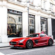 Summer BS  #mercedes #mercedesbenz #sls #blackseries #Millionaire #Rich #money #luxury #lifestyle #supercar #fast #car #carinstagram #cargram #london #dolcegabanna #ldncarphotography #motorhead #dreamwhipz #Teamvoster #Itswhitenoise #supercarsoflondon #amazingcars247 #uk #winter #picoftheday #instagood #instapic #likes #followourinstagram