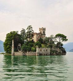 Isola di Loreto Castle, Lombardia, Italy
