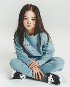 Lily's attire - vans and casual - vibe Shirts - Small in girls Pants - 7 in girls Shoes - 12 in kids Fashion Kids, Cute Fashion, Girl Fashion, Baby Outfits, Kids Outfits, Korean Babies, Asian Babies, Cute Kids, Photography Poses