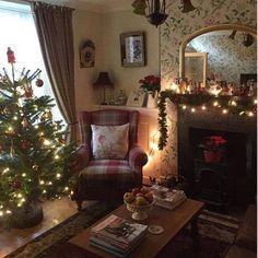 English Living Room Decor (76)
