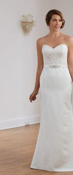 gefunden bei HAPPY BRAUTMODEN         Brautkleid Hochzeitskleid edel elegant romantisch Venus Bridal fließender Rock Spitze