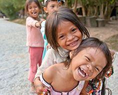 Niñas sonriendo en Angkor Wat