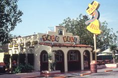 """When Taco Bell was delicious. """"Originated by Glen Bell, Taco Bell® became a reality on March The first Taco Bell® restaurant was built in Downey, California. Vintage Restaurant, Fast Food Restaurant, Restaurant Signs, Those Were The Days, The Good Old Days, Burger King, Food Spot, Food Stands, Pallets"""