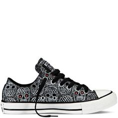 Chuck Taylor Skulls - Converse from Converse.t you wear. Converse All Star, Converse Shoes, Converse Chuck Taylor, Sock Shoes, Cute Shoes, Me Too Shoes, Shoe Boots, Skull Shoes, Skull Fashion