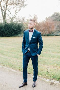 Hanna & Julian: Winterhochzeit in Burgund. A portrait of the groom on his outdoor wedding day. You are in the right place about Country Outfit bar Here we offer you t Blue Suit Wedding, Wedding Dress Men, Wedding Men, Wedding Suits, Wedding Groom, Dream Wedding, Men Wedding Attire, Bow Tie Wedding, Wedding Ideas