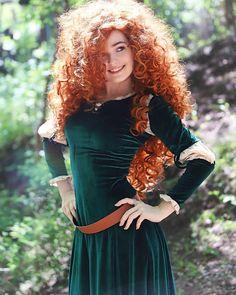 OMGcosplay as Merida (Brave) : cosplaygirls happy redhead, best blush makeup, red hair makeup ideas Merida Cosplay, Disney Cosplay, Brave Merida, Amazing Cosplay, Best Cosplay, Red Hair Woman, Beautiful Red Hair, Redhead Girl, Halloween Disfraces