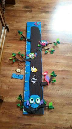 Medidor Growth Chart Wood, Felt Crafts, Diy Crafts, Art For Kids, Crafts For Kids, Board Decoration, Penny Rugs, Felt Toys, Felt Ornaments