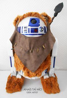 R2D2 is ready for Halloween ! R2D2 Ewok by Anaïs Taï mïo - pop custom Star wars - Art - Custom