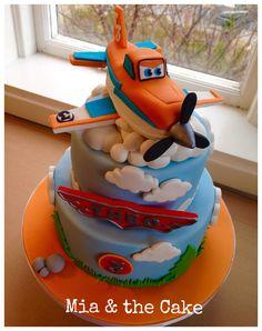Dusty Crophopper Disney cake.                                                                                                                                                     More