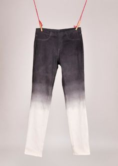 Jeans Makeovers - DIY Ombre Jeans - Easy Crafts and Tutorials to Refashion Your Jeans and Create Ripped, Distressed, Bleach, Lace Edge, Cut Off, Skinny, Shorts, and Painted Jeans Ideas http://diyprojectsforteens.com/diy-jeans-makeovers