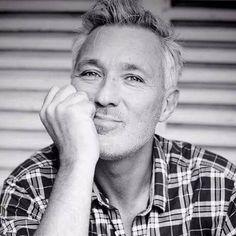 this man.he will never not be beautiful. Shirlie Kemp, Gary Kemp, Martin Kemp, Kaiser Chiefs, New Romantics, Handsome Actors, Grey Hair, Actors & Actresses, Beautiful People