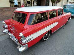 Very rare Pontiac 2-Door Wagon!