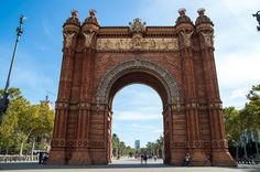 Check out Barcelona's top historical bars and restaurants to sample great food and drink as well as a journey through Barcelona's history.