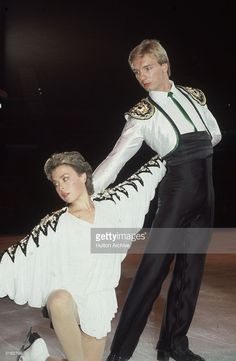 1985: English ice-skaters, Jayne Torvill and Christopher Dean, performing during their Ice Show Spectacular at Wembley Arena.