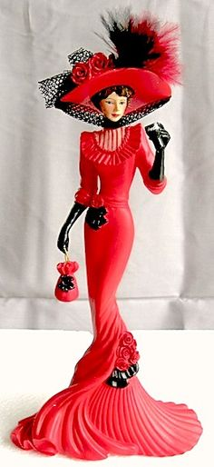 "Coca-Cola - ""Elegance of Coca Cola"" - Timeless Pause with Coca Cola Lady Figurine"
