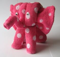 DIY Elephant of towels - Nice for a babyshower or birthday